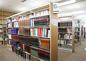 参考図書コーナー写真